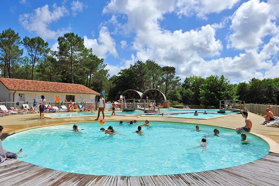 Camping Azu'Rivage in Azur